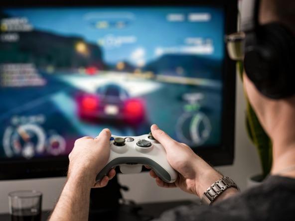 Gaming-game-video-TV_crop
